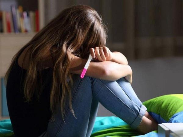 Làm cha mẹ quá sớm để lại những hệ lụy đáng tiếc