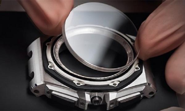 Thay kính đồng hồ Hà Nội chính hãng, giá tốt nhất ở đâu?