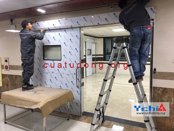 cửa phòng X-Quang