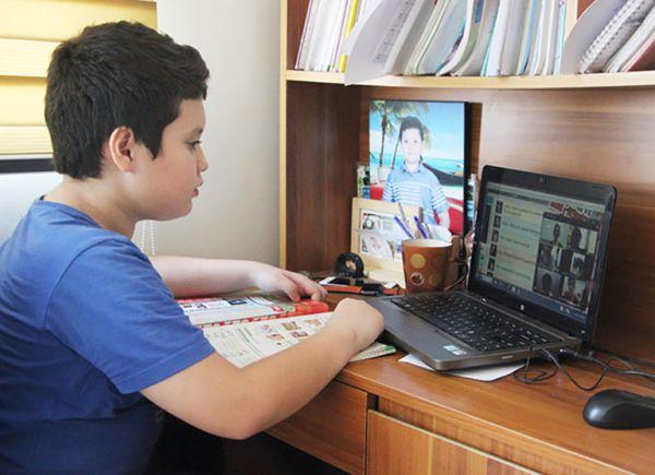 Đẩy mạnh hơn nữa kết nối trực tuyến giữa nhà trường và gia đình trong mùa dịch